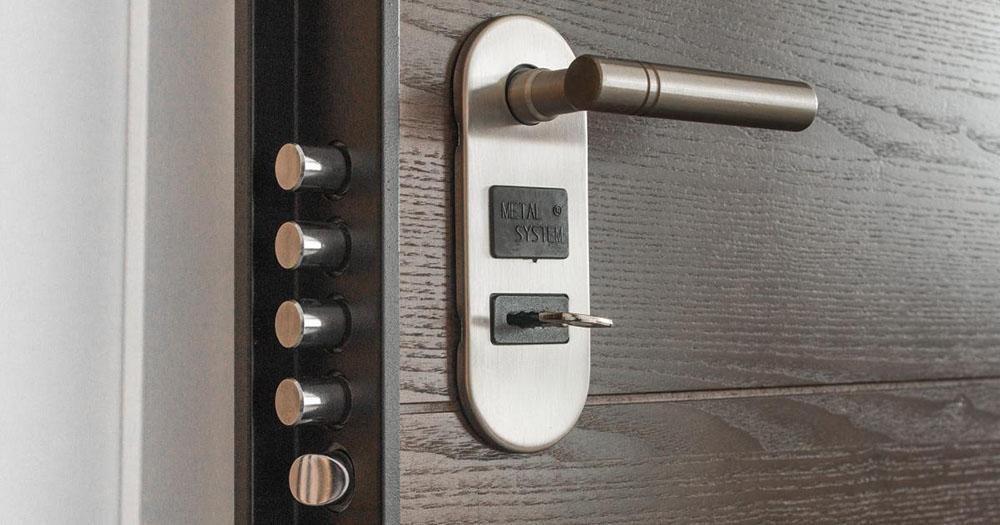 Cách bảo vệ ngôi nhà bạn khỏi những tên trộm từ bên trong
